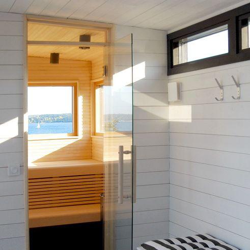 Poolhus med bastu och relaxdel