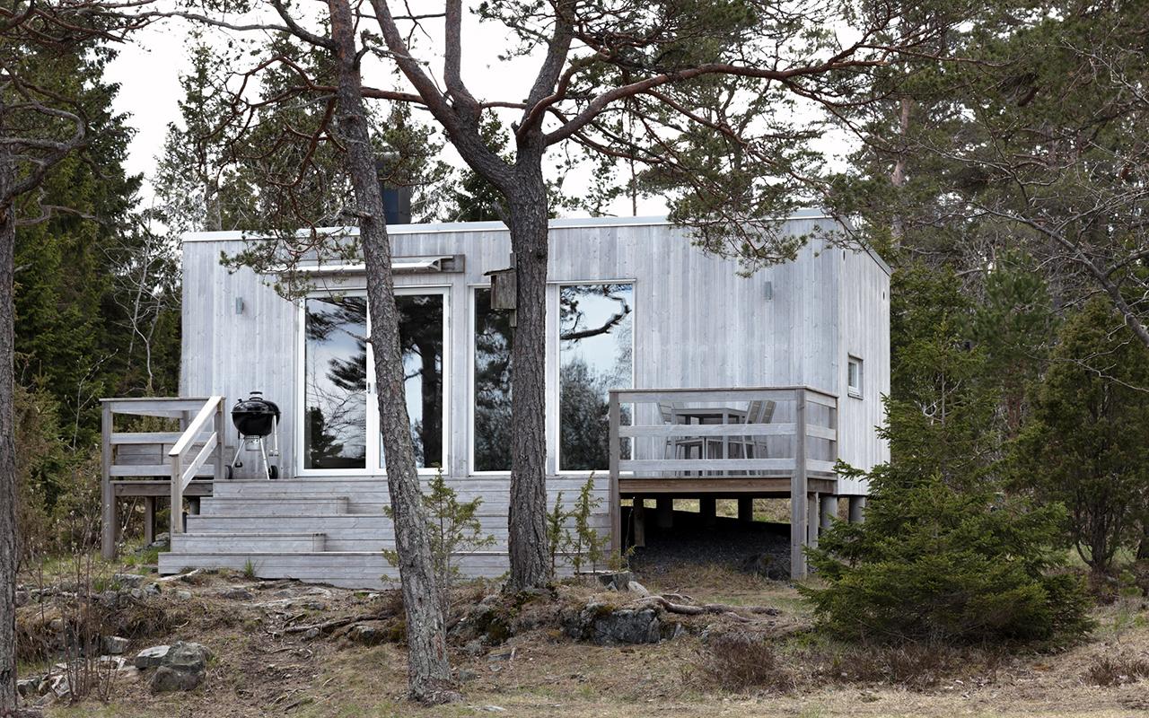 attefallshus 30 kvadrat med grå fasad