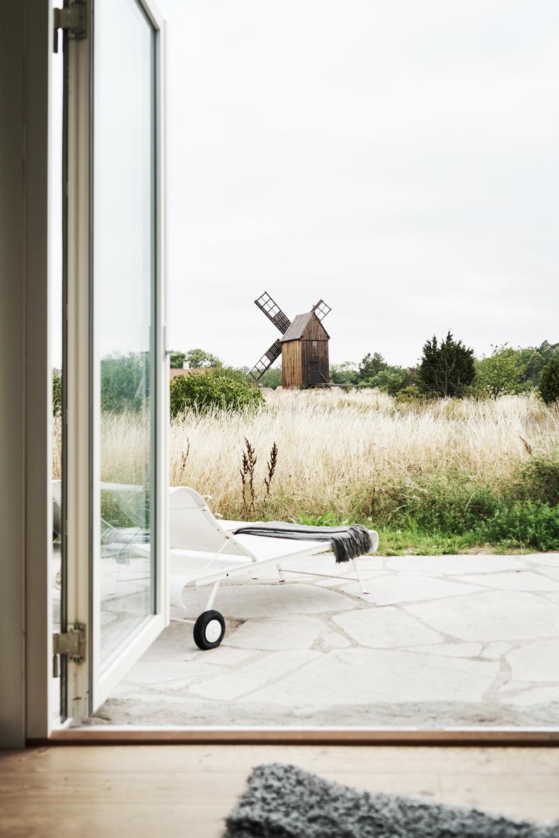attefallshus med öppning mot natursköna gotland