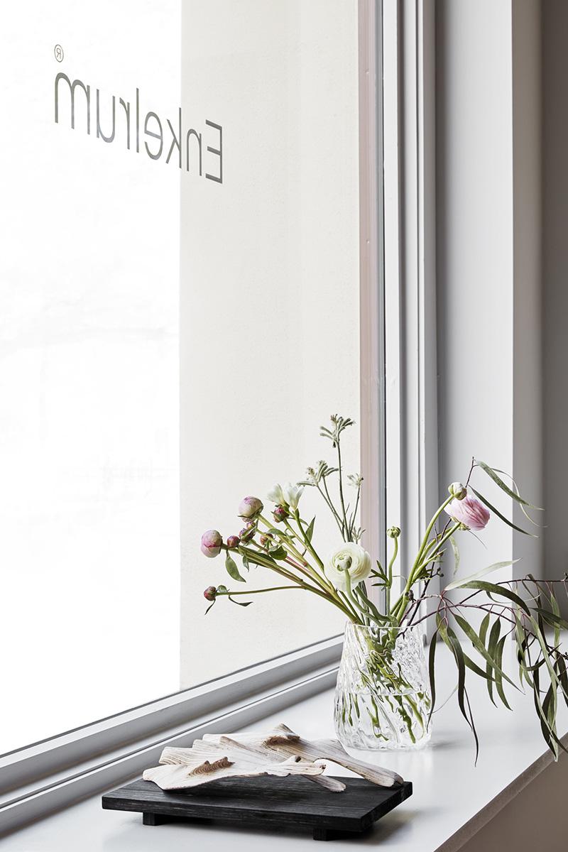 enkelrum showroom fönster